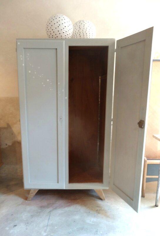 armoire annees 50 interieur