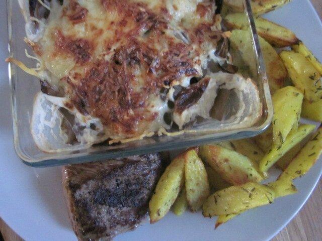 Pavé de boeuf, gratin de côtes de blettes et frites quasi sans graisse pour le déjeuner...