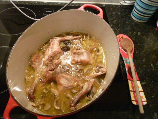 Coco lapin aux pruneaux ben in the kitchen - Cuisiner les pruneaux ...