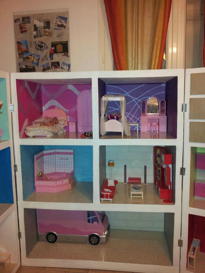 la maison de barbie crazy hand. Black Bedroom Furniture Sets. Home Design Ideas