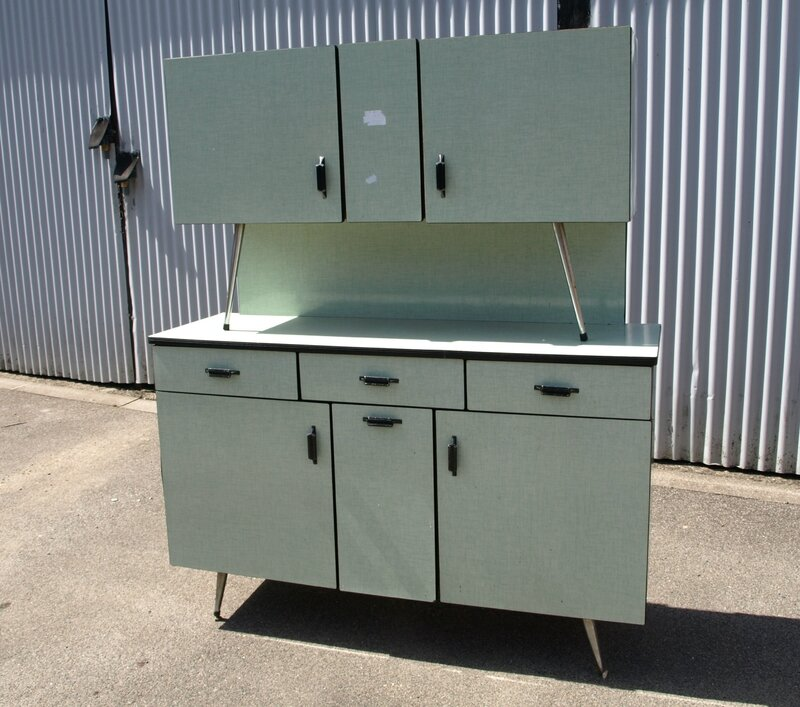 Un buffet en formica bleu trs anne et idal with buffet for Buffet cuisine en formica