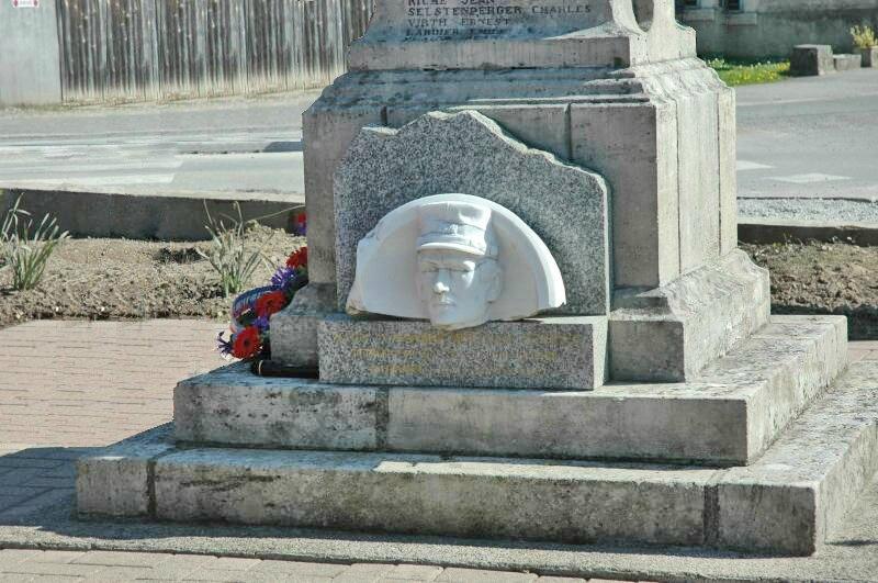 p monument aux morts de joncherey