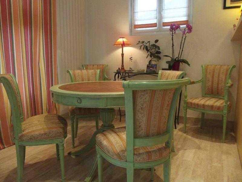 transformation d 39 une salle manger patine relooking stage sur meuble 78. Black Bedroom Furniture Sets. Home Design Ideas