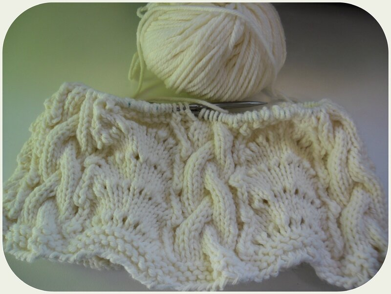 Cable & lace cowl