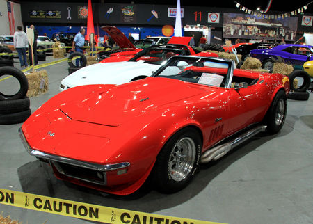 Chevrolet_corvette_stingray_convertible_de_1967__RegioMotoClassica_2010_