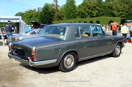 Bentley_type_T1_4_door_saloon_de_1967__9_me_Classic_Gala_de_Schwetzingen_2011__02