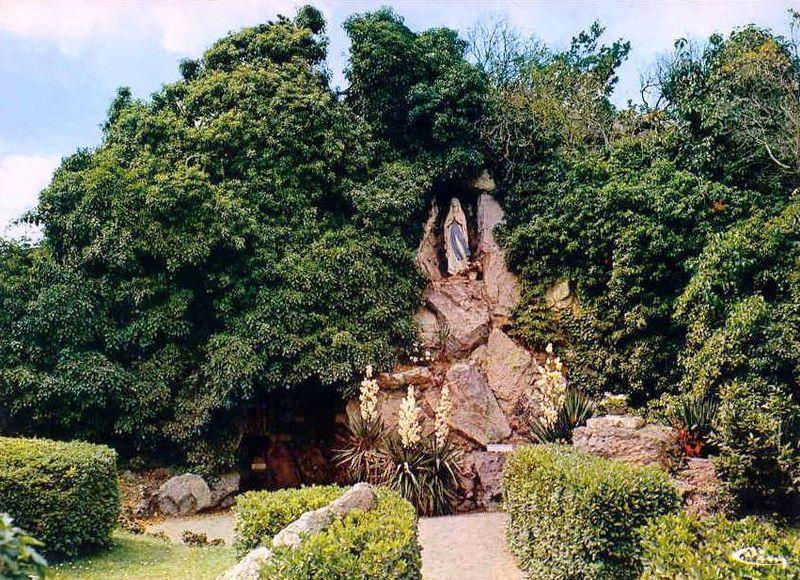 Bréal sous Montfort, Grotte de Lourdes
