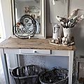 table bureau shabby