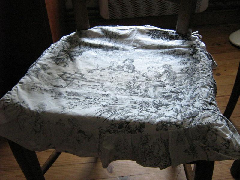 Juste pour recouvrir une chaise. - Toile de Jouy - blog collectif ...