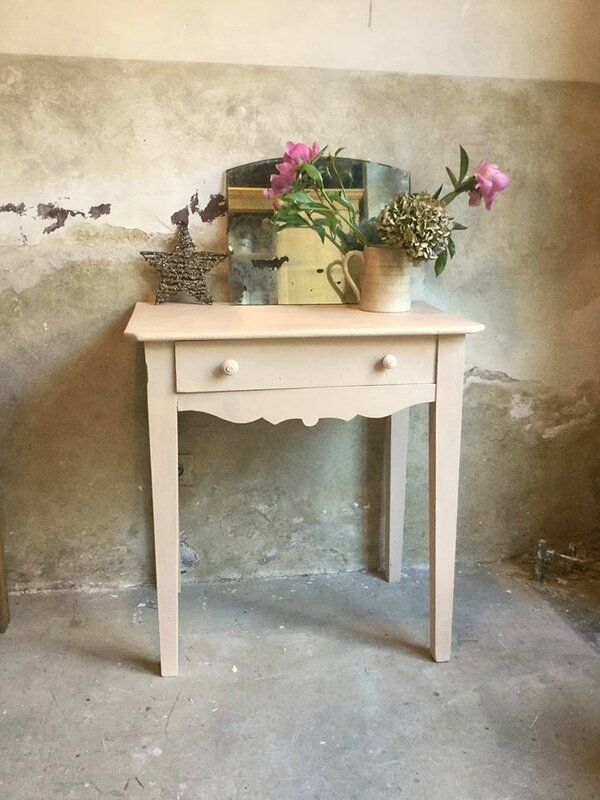 TABLE ROSE POUDRE