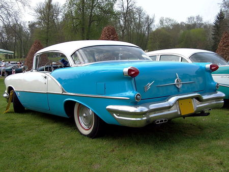 56_OLDSMOBILE_Eighty_Eight_Holiday_Hardtop_Coupe__2_