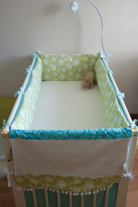 a diy aqua green crib bumper and a matching blanket tour de lit fait maison et couverture. Black Bedroom Furniture Sets. Home Design Ideas