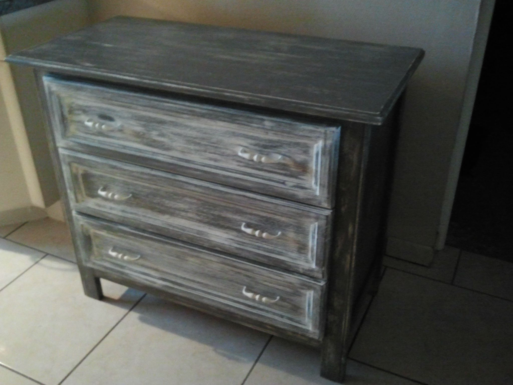 commode relooking des meubles anciens. Black Bedroom Furniture Sets. Home Design Ideas