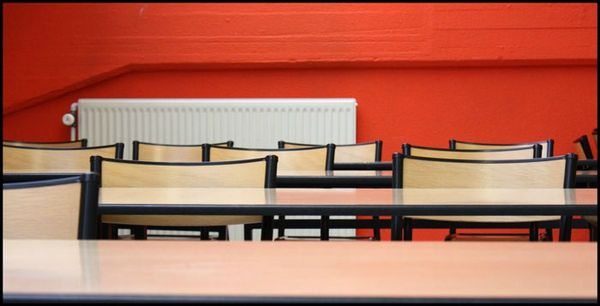 chaises-orange