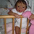 3Lylha petite fille reborn souriante