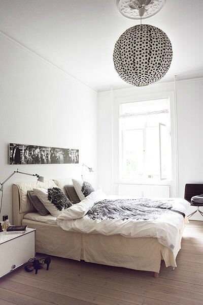 the-bedroom-in-various-sh-004[1]