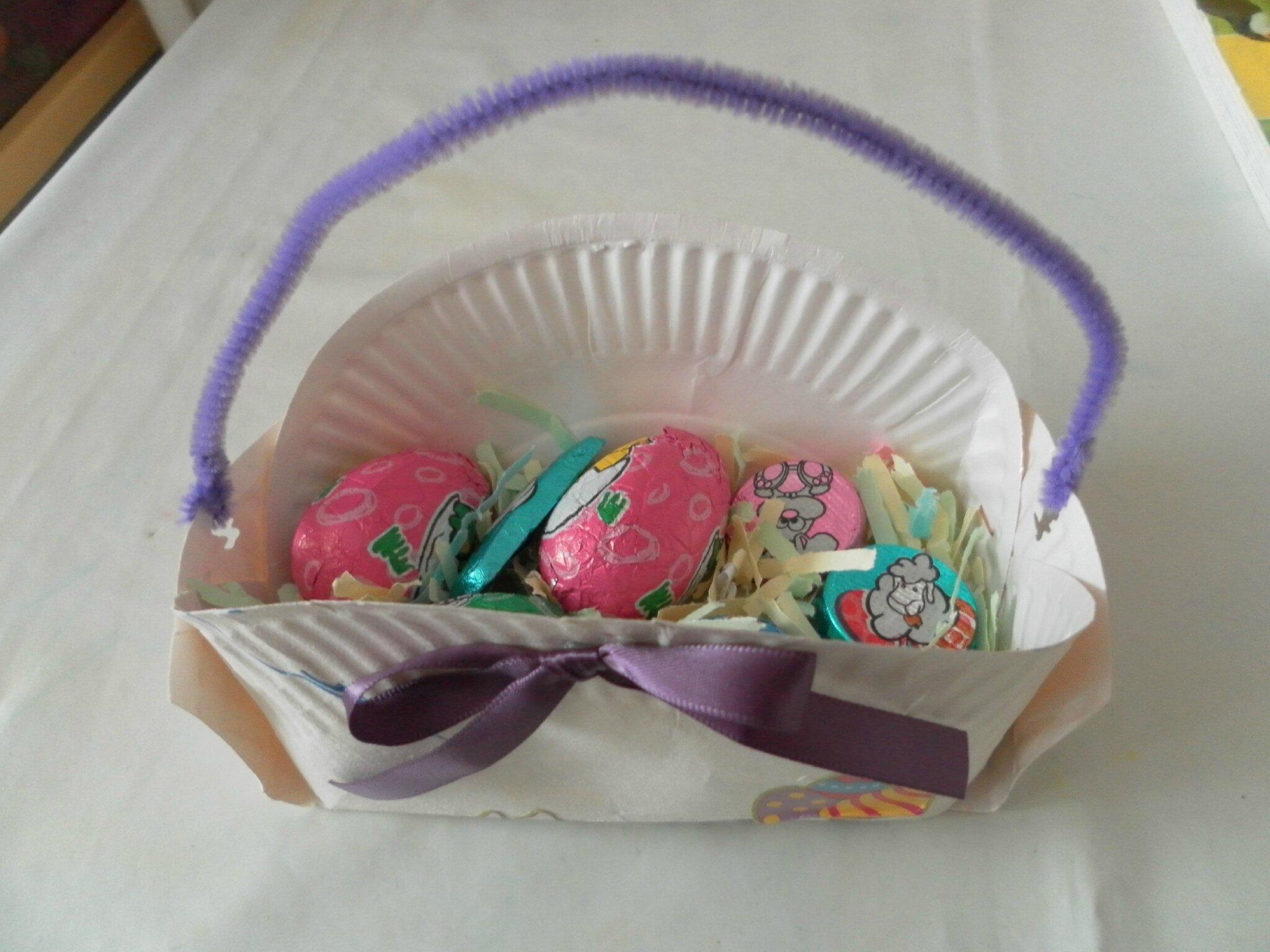 Panier de paques avec assiette en carton fashion designs - Panier de paques a fabriquer ...