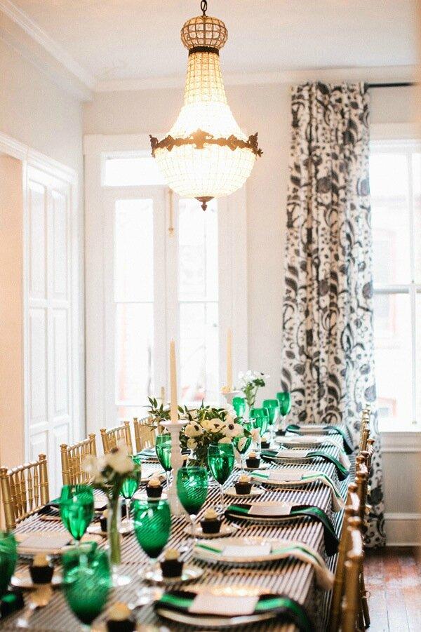 le vert emeraude le salon de th le blog d 39 un lys dans. Black Bedroom Furniture Sets. Home Design Ideas