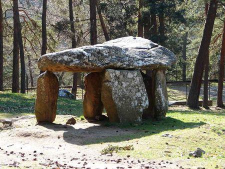 Saint_Nectaire_dolmen_Parc_4