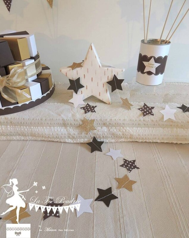 guirlande theme etoiles cousues chocolat blanc neige dore decoration bapteme
