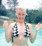 1956_Connecticut_SP_swimming_pool_01