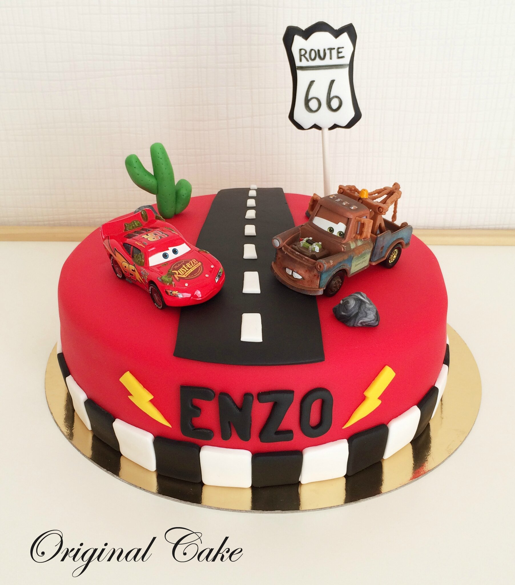 g teau flash mc queen cars original cake. Black Bedroom Furniture Sets. Home Design Ideas
