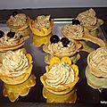 Mini cuillères et mini cocottes garnies de mousse de maquereaux et de cassis à la crème de cassis