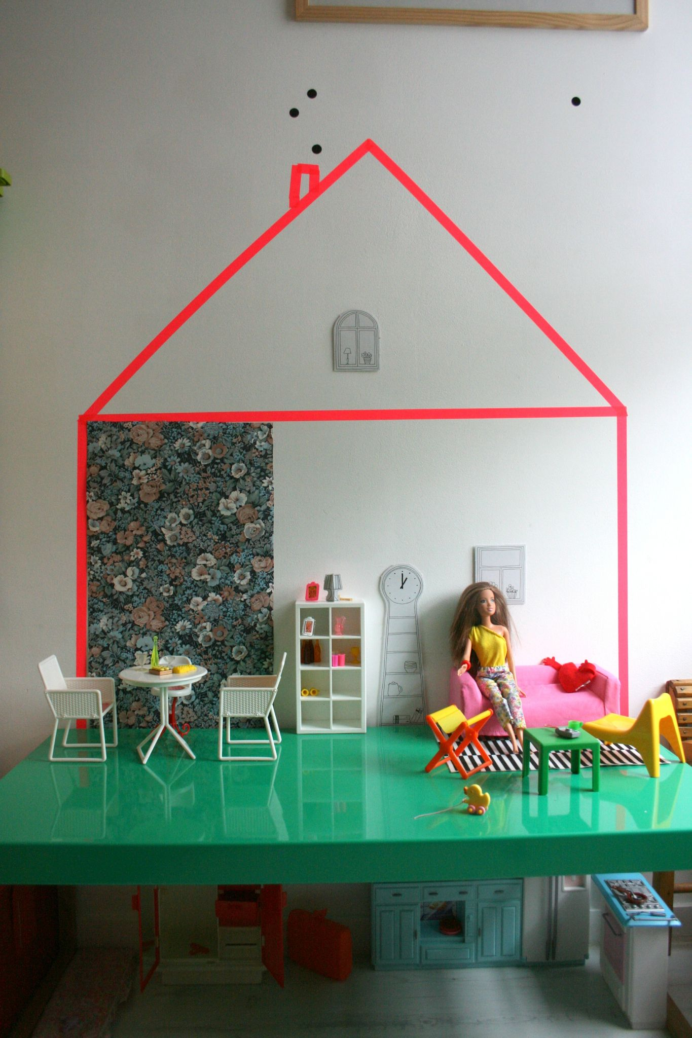 diy la maison de barbie emilie sans chichi. Black Bedroom Furniture Sets. Home Design Ideas