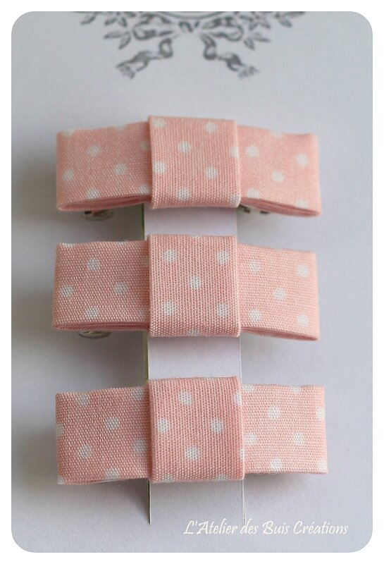 13_Barrettes_noeud_coton_rose_a_pois_blancs