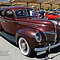 Ford deluxe fordor sedan-1939