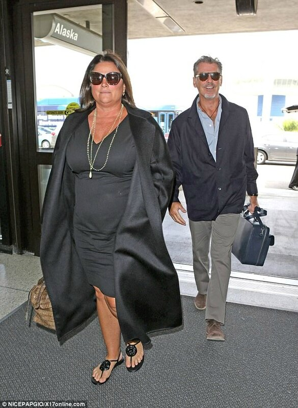 pierce brosman and his wife keely shaye smth 9