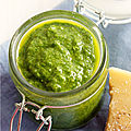 PESTO de FANES de RADIS