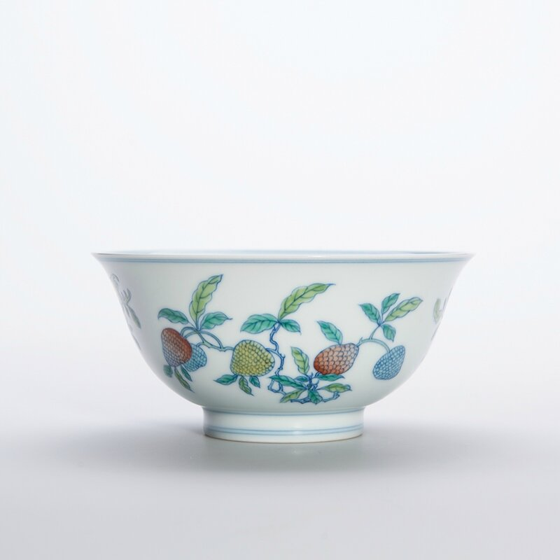 Chinese Wucai Glazed Porcelain Bowl, Yongzheng Six-Character Mark and of the Period 2