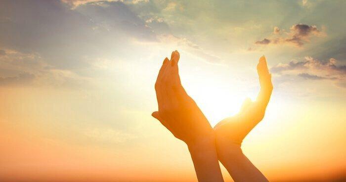 sun-hands