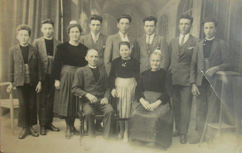 1927 Famille Queffelec Mevellec à Briec