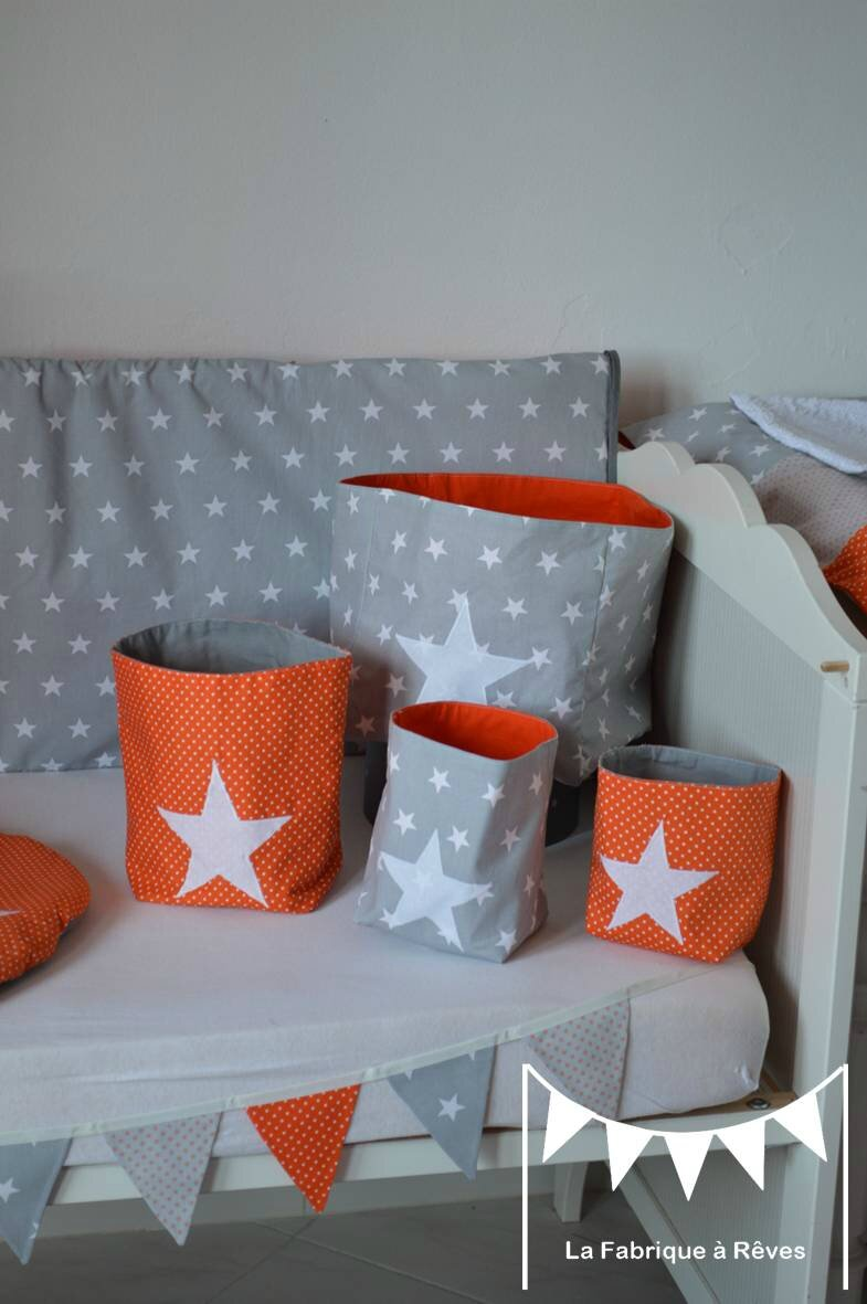 Pochons rangement r versible chambre b b gar on orange gris blanc toiles photo de 3 for Chambre orange et vert bebe