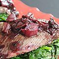 Viande rouge, oignons rouge et vin rouge, c'est en juin chez cookingout !