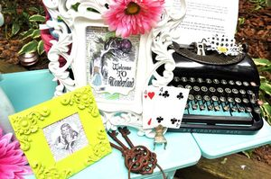 Alice-in-wonderland-tea-party-cards-typewriter