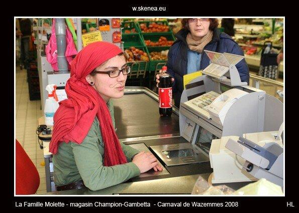 FamilleMolette-magasinChampion-Carnaval2008-039