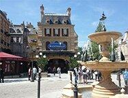 La Place de Rémy est le centre névralgique de ce nouveau mini land