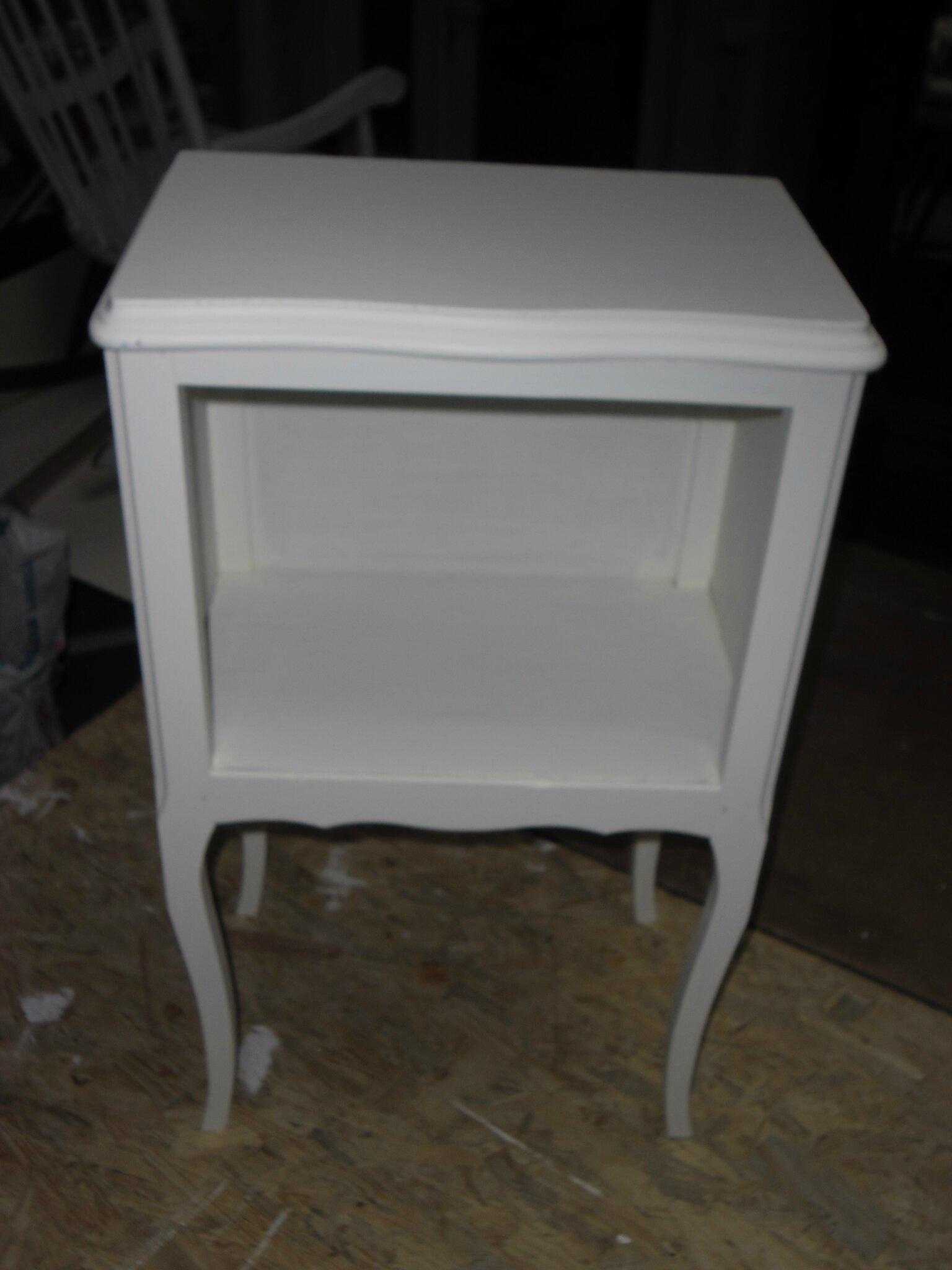 table de chevet habill e la petite villa. Black Bedroom Furniture Sets. Home Design Ideas