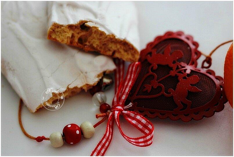 Aujourd'hui, c'est la Saint Nicolas, fête chère à mon coeur.....Que ça sent bon le pain d'épices par ici....