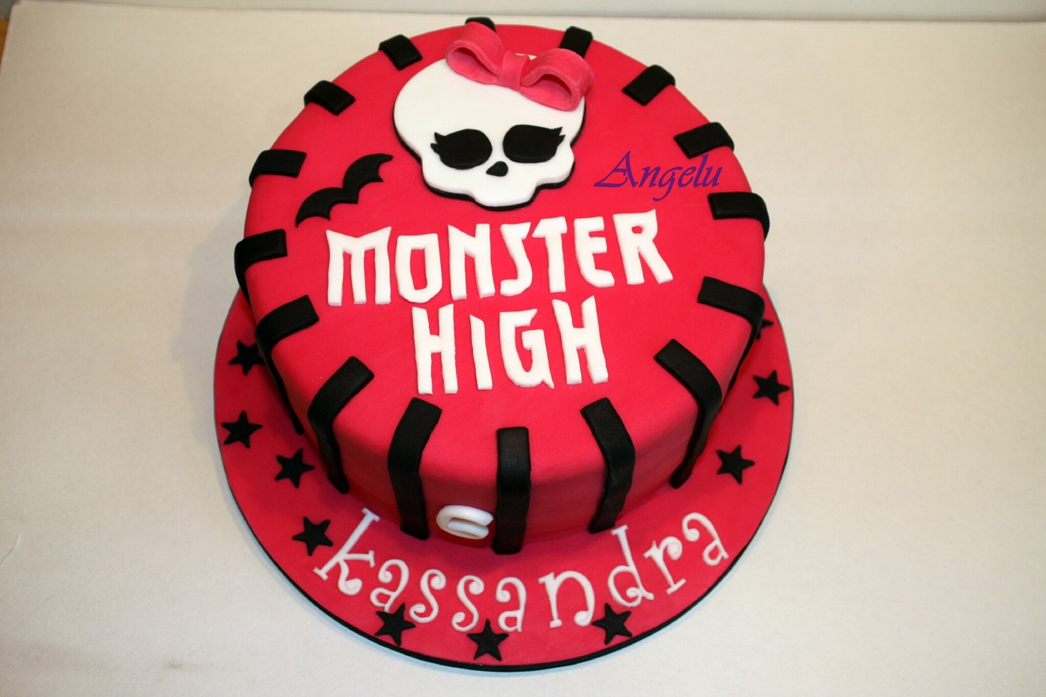 Très Gâteau Monster High - MA PETITE PATISSERIE (Contact : isilda@neuf.fr) HK75