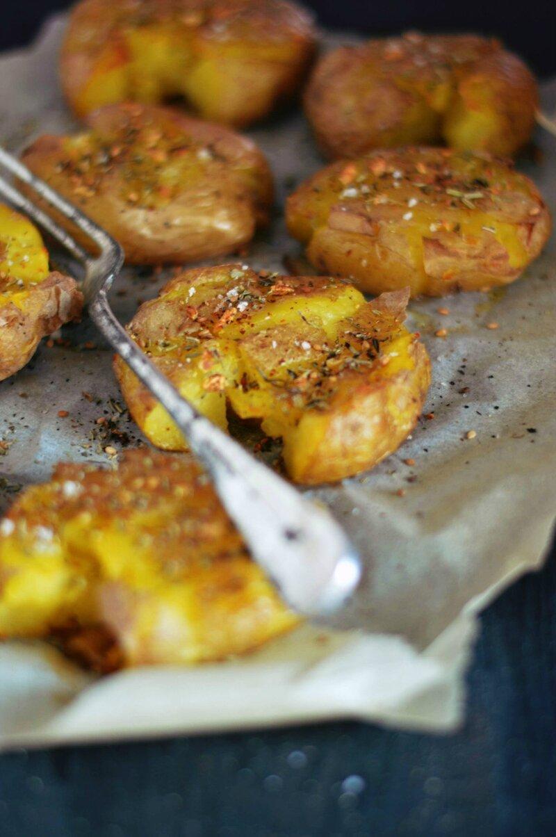 pommes de terre tapées ail et piment huile olive