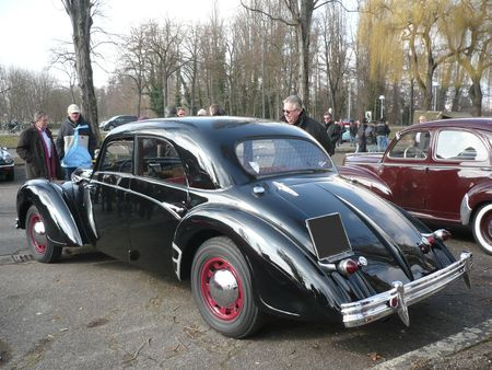ROSENGART Super Traction LR 539 berline 4 portes 1940 Strasbourg (2)