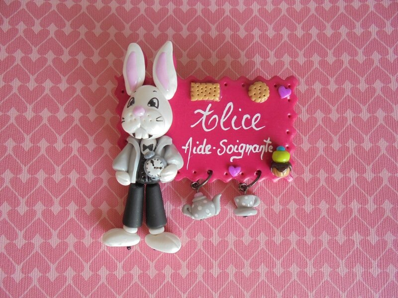 badge lapin Alice