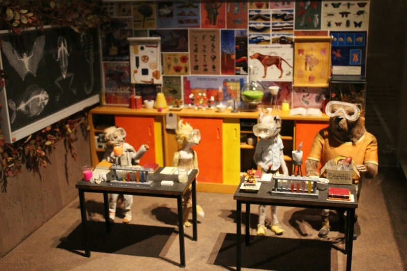 wes-anderson-follow-me-white-rabbit-alice-musee-miniature-lyon (49)