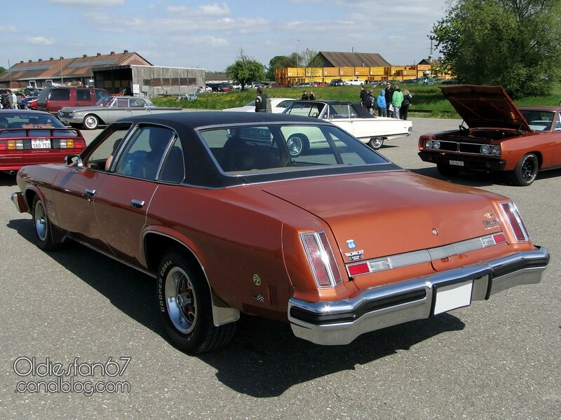 oldsmobile-cutlass-salon-sedan-1975-02