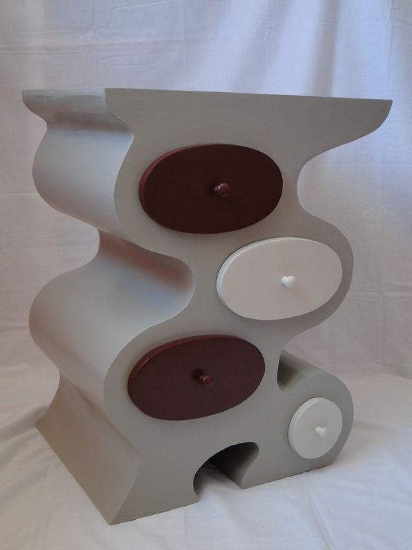 chevet courb album photos meubles en carton la cr ath que de nadine. Black Bedroom Furniture Sets. Home Design Ideas