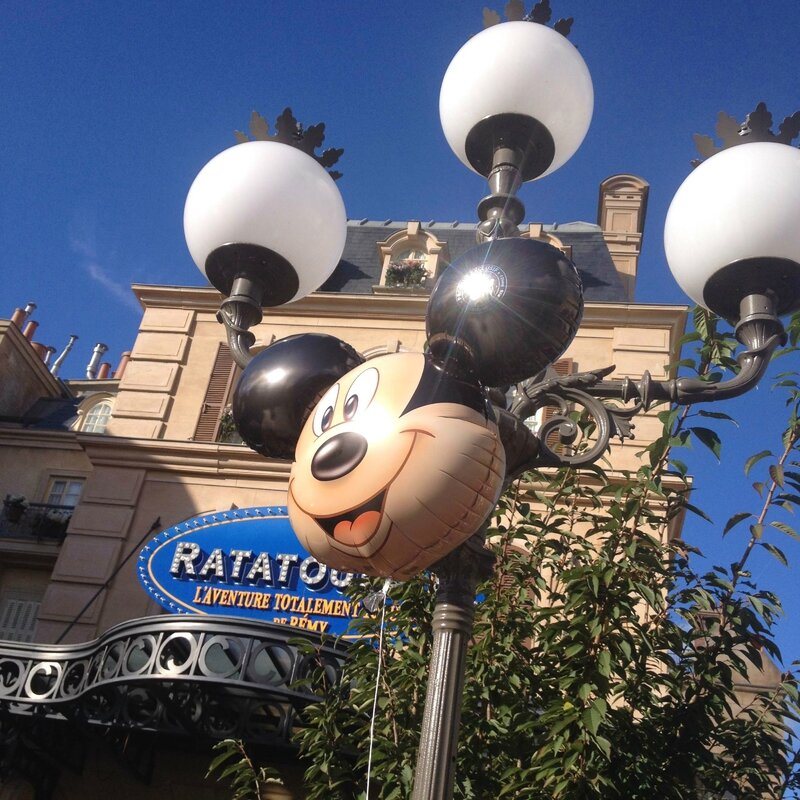 Disneyland Paris - attraction Ratatouille ballon Mickey
